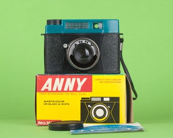 Lomography camera ANNY in great condition! DIANA all plastic clone. Comes with original box straight from 60s Retro look. Large format. LOMO