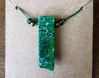 Handmade Emerald Green Natural Stone Pendant Necklace