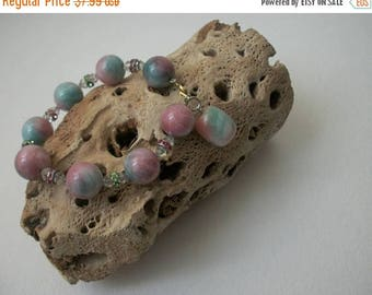 ON SALE Vintage Tumbled Stones Czech Glass Magnetic Closure Bracelet 63017