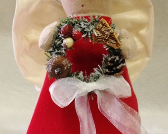 Folk Art Angel Tree Topper with Nature Wreath (CA-43-NAT-R/W)