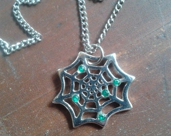 Unique Spiderweb Necklace Green Stones Spider Jewelry Halloween Goth 90s Spider Web Pendant Emerald