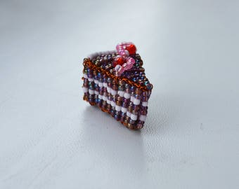 Handmade beaded miniature birthday cake souvenir keychain trinket