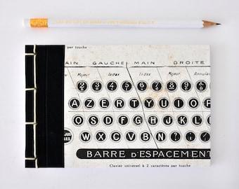 Kleines Notizbuch, handgemacht, Typo Muster, schwarz weiß - Geschenk, Journal, Tagebuch, Skizzenbuch, Reisetagebuch, Notizblock, Block