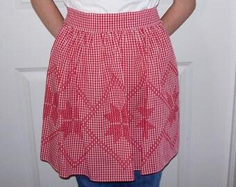 Vintage Women's Gingham Half Apron with Embroidery - Vintage Apron, Womans Apron, Red Apron, Adult Half Apron