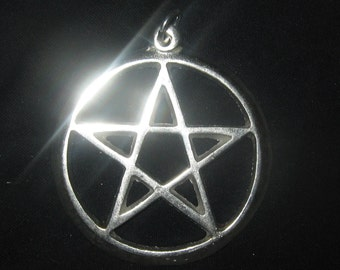Large 40MM Silver FIVE Pointed Wiccan Pagan Pentagram Pendant Necklace