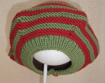 Hat beret Merino Wool red and green size 40-42 cm