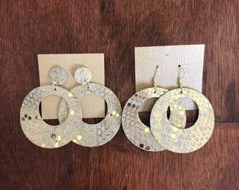 Shimmer Cut-out Disc Leather Earrings