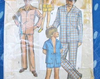vintage Simplicity sewing pattern 8860-- BOYS PAJAMAS (Boys size 10)--1970