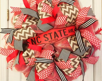 NC State wreath, Wolfpack wreath, North Carolina State wreath, NC State Wolfpack wreath, college football wreath, NC State football wreath