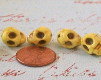 SKULLS Pale Yellow Howlite Stone Beads Craft, Jewelry Supplies (6 Pieces)