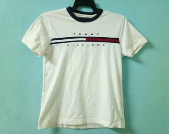 Vintage!!! Tommy Hilfiger big logo Tshirt