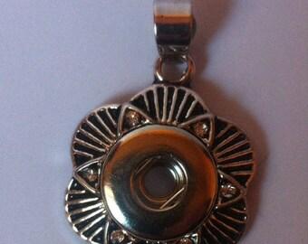 Flower snap button pendant