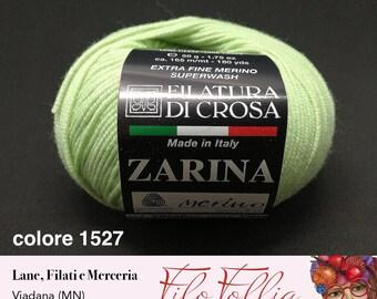 Extrafine's Czarina spinning yarn by crosa Lana 100% Merino