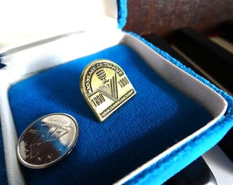 100 years of Transit pin Vancouver and Victoria 1890 1990