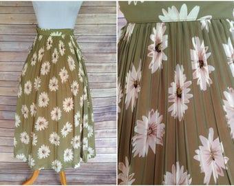 1990's Floral skirt   90s skirt    daisy skirt   90s daisy skirt   xs floral skirt   1950's Floral skirt    1950s novelty skirt