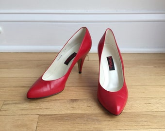 Vintage 80's Red Leather Pumps