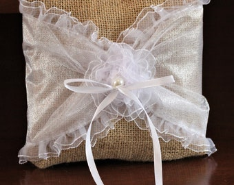FREE Shipping! Burlap ring bearer pillow with tulle and lace flower