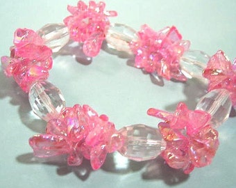 Pink Glass Chip Bead Bracelet, Fun Jewelry, Faceted Crystal Jewelry, Bright Pink Glass Bead Bracelet, No Metals Nonmetal Stretch Bracelet