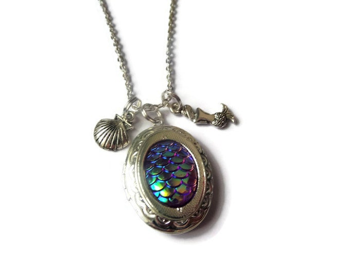 mermaid scales necklace, mermaid scales locket, mermaid jewelery, sea jewellery, sea jewelery, sea shell necklace, mermaid gift