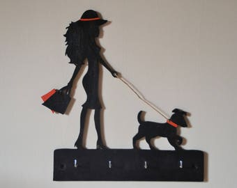 Wall key Decoporte painted wooden model Lady walking her dog number 2
