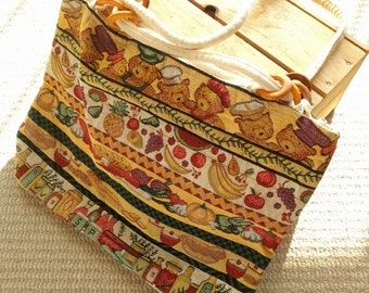 Vintage large kitsch teddy bears picnic carpet bag tote shoulder strap zipper closure wood rings