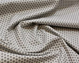 Printed cotton poplin, grey stars on white background X 50 cm cut