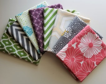 Moda Simply Style Fat Quarter Bundle (8 FQs, 2 yards total)
