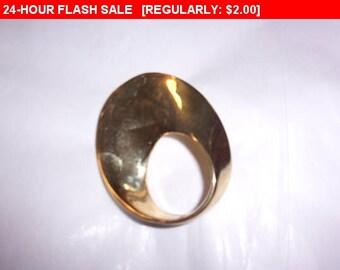 Vintage Gold tone brooch, estate jewelry