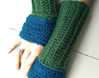 Fingerless crochet gloves