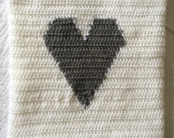Handmade Crochet heart blanket - couverture faite à la main coeur