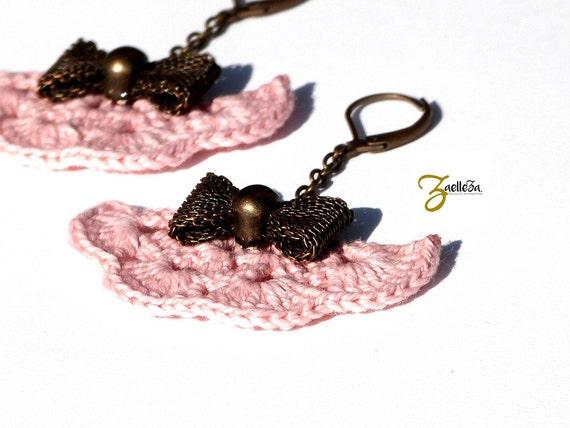Crocheted earrings pink powdered range in crochet, metal node bronzes NODI - Boho wedding jewelry / hippie chic