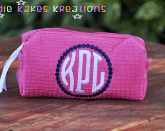 Personalized Waffle Cosmetic Bag with Circle Monogram
