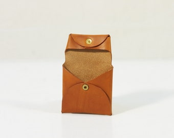 Coin Holder with snaps Italian Vegetable Tanned Leather color 303 SMOOTH