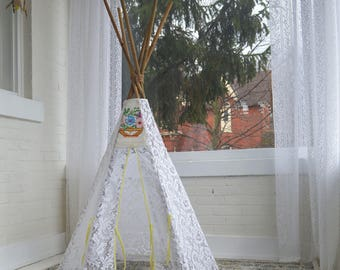 SALE Dreamy Lace Teepee in Baby Size with Vintage Emboridery