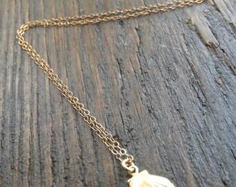 Gold Seashell Necklace, Tiny Seashell, Seashell Charm, Bridesmaid Gifts, Shell Necklace, Dainty Charm, Mermaid Necklace, Bridesmaid Gifts