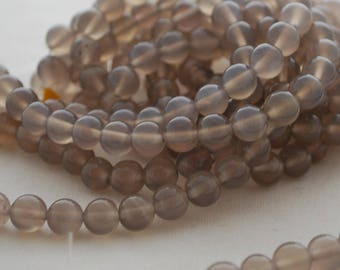 "High Quality Grade A Natural Grey Agate Semi-precious Gemstone Round Beads - 4mm, 6mm, 8mm, 10mm sizes - 16"" strand"