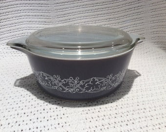 Pyrex JAJ Classics Junior Space Saver 1.5 pint Casserole Dish 1964