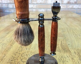 Shaving set made from red malee burl