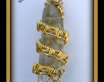 Wire wrap weave quartz crystal point, in gold tone wire-pendant