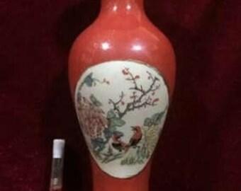 Vintage Chinese Ceramic Bottle Art/Decoration/Vase/Famille rose vase
