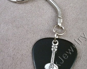 Guitar on Black Guitar Pick w/ Snake Chain Keyring/Keychain