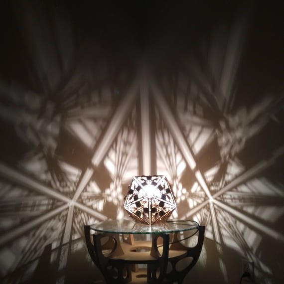 Icosahedron - Shadow Desk Lamp