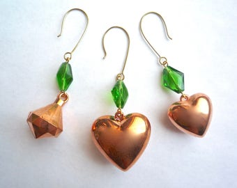 Copper heart or top Christmas ornaments, Large or small hearts, Vintage copper plated lucite with sparkly green glass beads, Set of 3