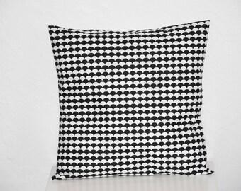 Cushion - 40 x 40 cm - fabric scales - black and white - trendy Scandinavian motifs