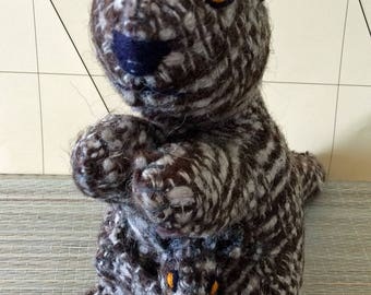 Hand crafted wool kangaroo and joey from Chiapas