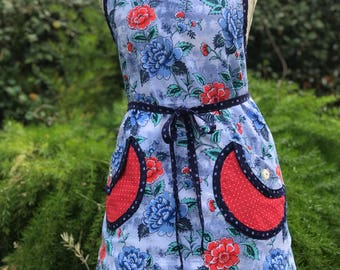 Red Roses - Blue Carnations - Woman's Full Apron - AmberCourtDesigns