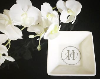 Monogrammed Ring Dish/Tray/Holder/Monogrammed jewelry holder/Personalized Ring Holder/Dish Bridesmaid Jewelry Dish/Bridal Party Gifts