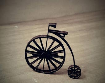 Miniature dollhouse vintage wrought iron style bike 1:12 scale decor item