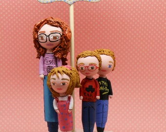 Portrait children family on bases of customizable color roses