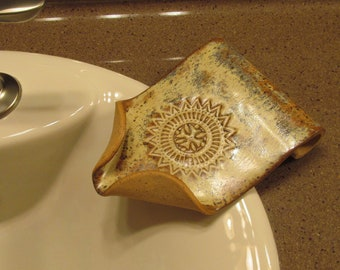 Earthenware soap dish